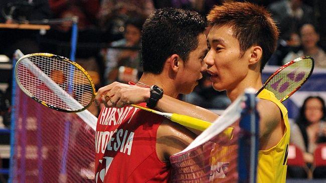 Taufik Hidayat punya tiga lawan berat sekaligus sahabat ketika masih aktif bermain badminton di sektor tunggal putra yaitu Lin Dan, Lee Chong Wei, Peter Gade.