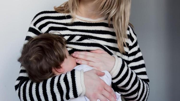 Bunda perlu tahu nih, waktu yang tepat untuk menyapih anak menurut konselor laktasi.