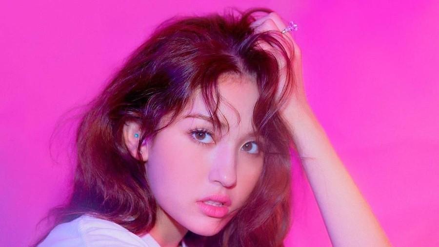 Tampil Super Swag, Jeon Somi Resmi Debut Lewat Lagu Birthday