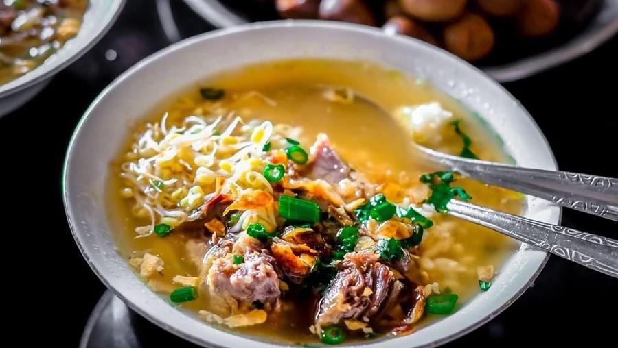 Mencicip Nikmatnya Kuliner Legendaris Lewat Aplikasi Grab Food