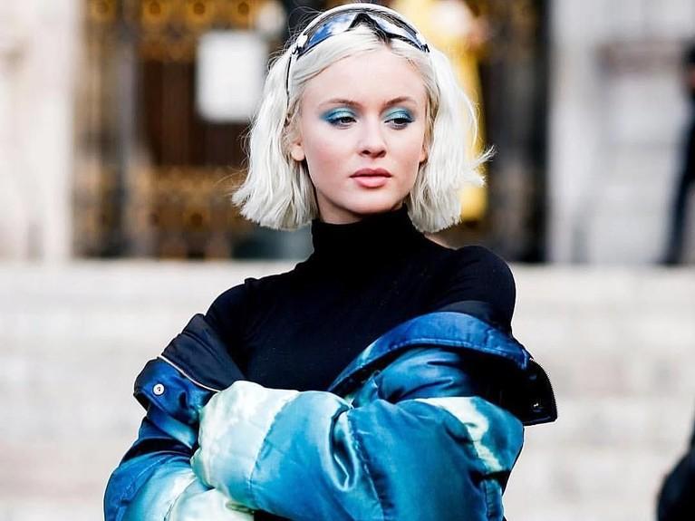 Enam gaya kece Zara Larsson yang berkolaborasi dengan V dan J-Hope BTS.