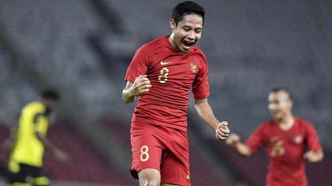 Evan Dimas berharap bisa jadi pemain senior yang membimbing pemain-pemain muda di Timnas Indonesia U-23 dalam laga SEA Games 2019.