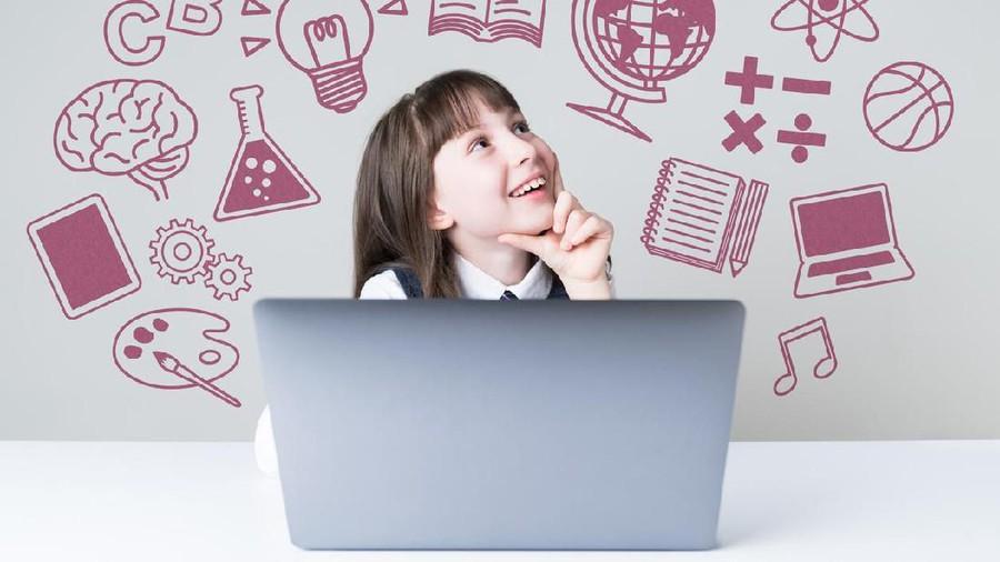 Usia Berapa Anak Boleh Diperkenalkan Komputer?
