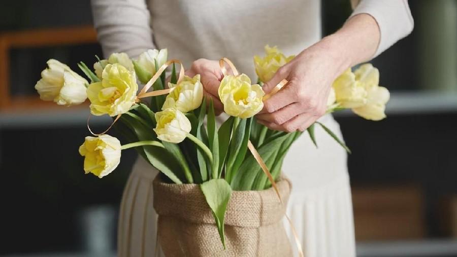 Bun, Yuk Merangkai Bunga untuk Bantu Kurangi Stres
