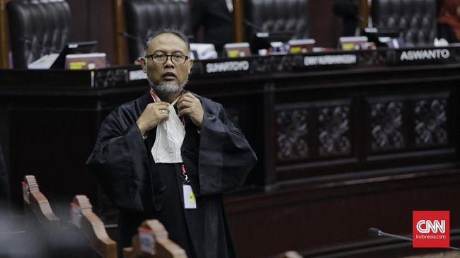 Bambang Widjojanto pun mengaku kecewa Jokowi telah mengingkari dan mengabaikan kehormatan 40 tokoh nasional yang memintanya mengeluarkan Perppu KPK.