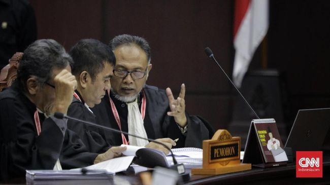 Kuasa hukum Prabowo-Sandi masih belum membeberkan lugas siapa saja saksi dan ahli yang bakal dihadirkan dalam lanjutan sidang sengketa pilpres di MK hari ini.