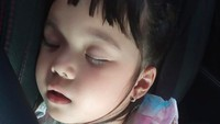 <p>Bunda pasti setuju kan kalau Gempi memang menggemaskan, termasuk saat sedang tidur. Kira-kira mirip Mama Gisel atau Papa Gading nih? (Foto: Instagram @gisel_la)</p>
