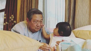 Sweet, Saat Cucu Paling Kecil SBY Jadi Pelipur Lara