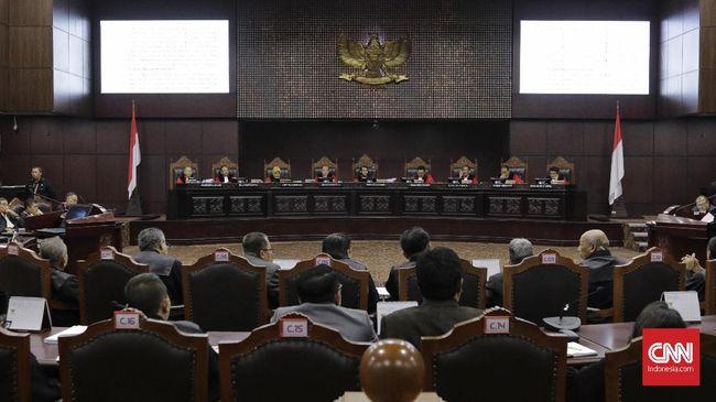 Ketentuan tentang masa jabatan anggota DPR, DPD, dan DPRD digugat ke Mahkamah Konstitusi.