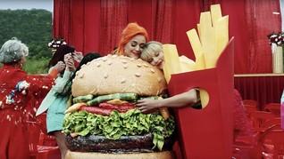 Fan Duga Katy Perry Duet Bareng Taylor Swift di Lagu Daisies