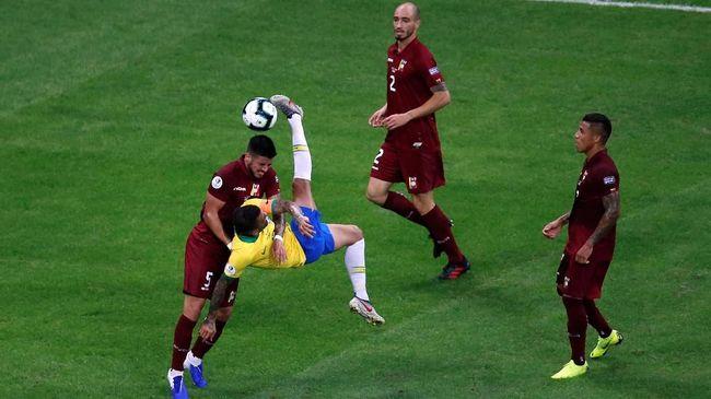 Venezuela menahan imbang Brasil tanpa gol pada laga fase grup Copa America 2019 yang berlangsung di Stadion Arena Fonte Nova, Brasil, Rabu (19/6) pagi WIB.