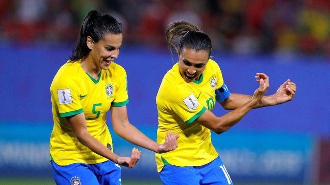 Marta mempertajam rekor saat mencetak gol kemenangan timnas Brasil atas timnas Italia di Piala Dunia Wanita 2019.