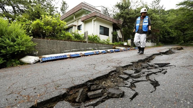 Foto Jepang Kembali Diguncang Gempa