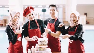 Kisah Sukses Suami Istri Bisnis Kuliner dengan Bantuan GrabExpress