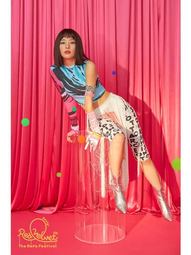 Intip gaya baru para member Red Velvet di video klip terbaru mereka, Zimzalabim. Seperti apa?