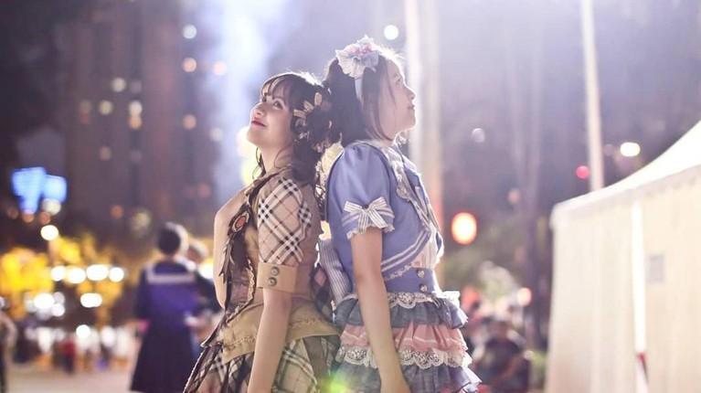 Keduanya, hingga kini, bergabung dan berhasil lolos menjadi member JKT48. Keduanya semakin sering disebut seperti anak kembar lantaran Zara dan Kyla karena selalu bersama.