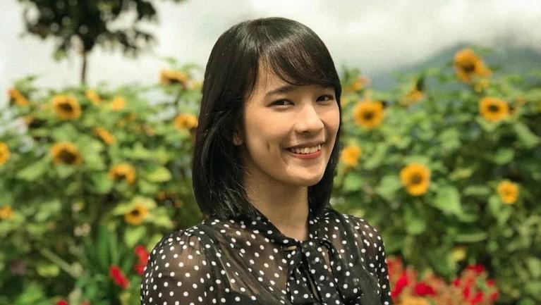 Beby Chaesara Anadila atau akrab disapa Beby JKT48 ini lahir di Bandung, 18 Maret 1998.