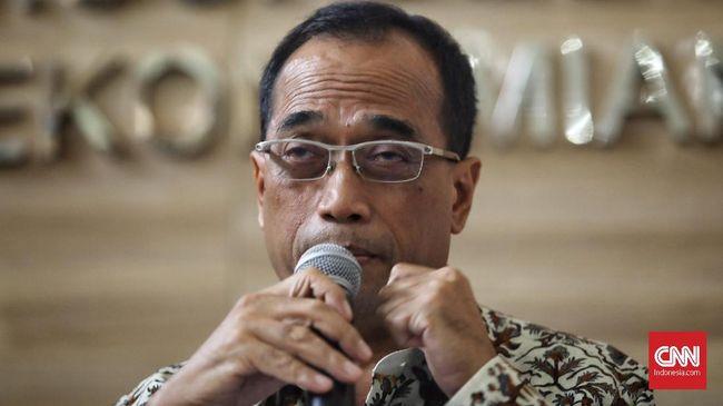 Menhub Budi Karya Sumadi menargetkan Pelabuhan Patimban kelar 100 persen pada 2027 supaya bisa menopang industri di Jabar.