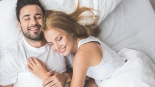 5 Posisi Seks Anti-berisik, Patut Bunda dan Suami Coba