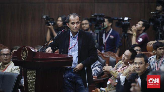 Wamenkumham Edward Omar Sharif Hiariej meminta masyarakat tak khawatir dengan keberadaan pasal tersebut lantaran masuk dalam delik aduan.