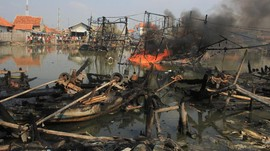 Kapal Meledak di Pelabuhan Bajoe Sulsel, Dua ABK Terluka
