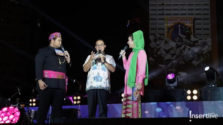 Acara yang dipandu oleh Ivan Gunawan dan Astrid Tiar itu juga dihadiri oleh Gubernur DKI Jakarta Anies Baswedan.