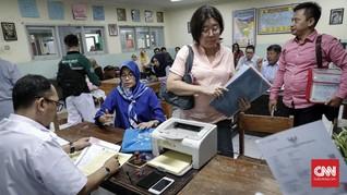 Khofifah Permudah Anak-anak Nakes Corona Masuk SMA/SMK Negeri