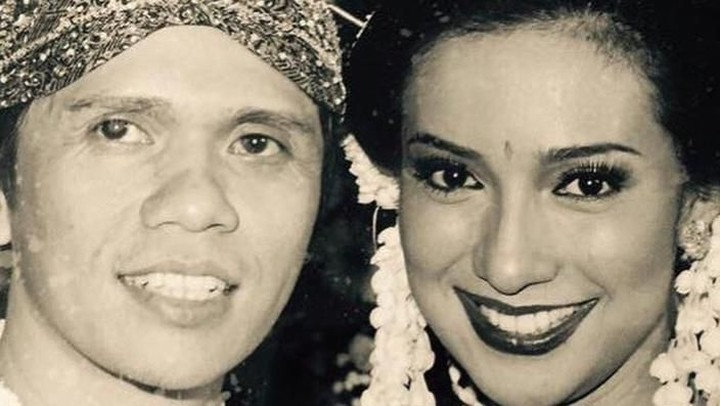 <p>Shahnaz Haque dan Gilang Ramadhan menikah pada September 2001. (Foto: Instagram/ @shahnaz_haque)<br /><br /></p>