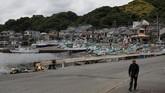 Atas nama tradisi dan perut, Jepang akan kembali melakukan perburuan paus komersil pada bulan depan.