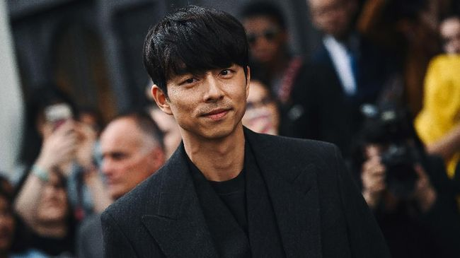 Selebriti Korea Gong Yoo, Lee Min Ho, dan Kim Jae Wook tampil di pekan mode busana pria, Men's Paris Fashion Week 2019.