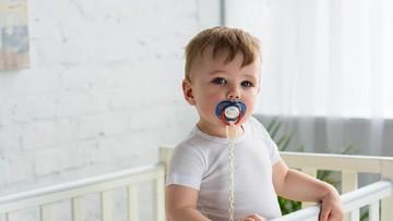 Mitos atau Fakta, Empeng Ganggu Pertumbuhan Gigi Bayi?