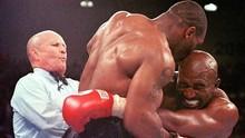 Holyfield Sempat Ingin Balas Gigit Wajah Mike Tyson