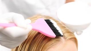 Studi: Pewarna Rambut Tingkatkan Risiko Kanker