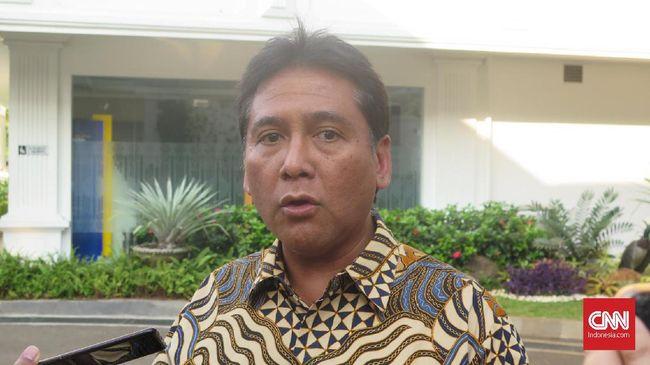 Direktur Utama PT Hotel Sahid Jaya International Tbk, Hariyadi Sukamdani bersama sejumlah pengusaha bertemu Presiden Joko Widodo di Kompleks Istana Kepresidenan Jakarta, Selasa (25/6).