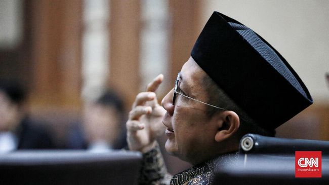 JPU menyebut satu tas dan empat amplop berisi uang yang disita dari ruang kerja mantan Menag Lukman Hakim Saifuddin tak didukung bukti penerimaan yang sah.