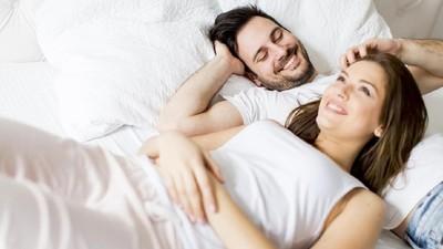 10 Ucapan Manis untuk Pasangan Saat Pillow Talk