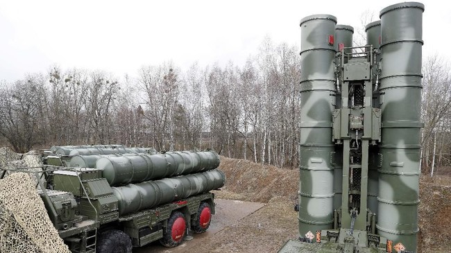 Kecepatan rudal ini bisa mencapai 4,8 kilometer per detik, dan mampu mendeteksi sasaran sejauh 600 kilometer. Disebut sebagai sistem pertahanan udara terbaik.