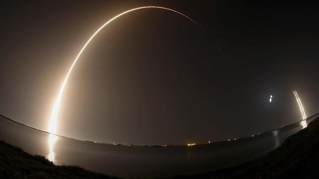 SpaceX berhasil meluncurkan roket Falcon Heavy yang membawa misi demonstrasi teknologi NASA untuk membantu membawa astronaut Amerika Serikat ke Mars.