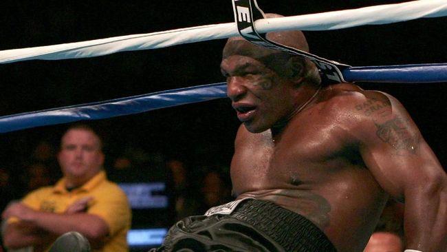 Mike Tyson mengakui bahwa ia sempat berpikir bisa mengalahkan Dewa saat ia benar-benar berada di periode terbaik dalam kariernya sebagai petinju.