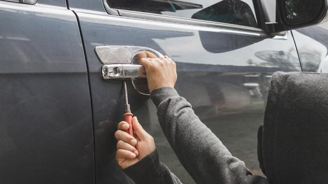 Polres Jepara mengungkap kasus pencurian yang utamanya mengincar Toyota Kijang 1990-1995 karena mudah dibobol pakai kunci 'T'.