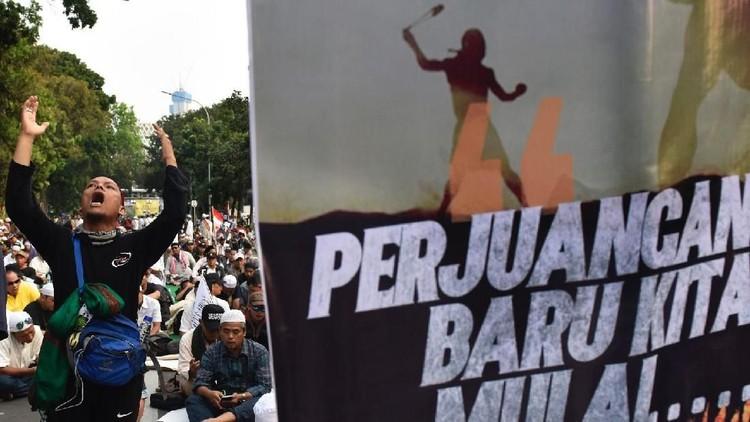 FOTO: Aksi Massa Kawal Sidang Putusan Sengketa Pilpres di MK