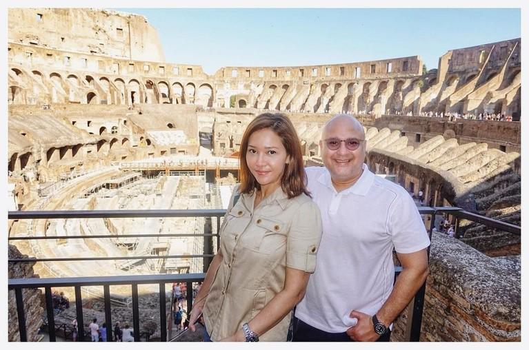 Seteleh Milan, destinasi selanjutnya yang dikunjungi Maia Estianty dan Irwan Mussry adalah Roma.