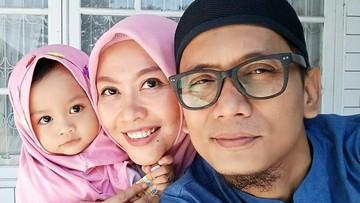 Duka di Balik Kebahagiaan Lahirnya Anak Almarhum Bani 'Seventeen'