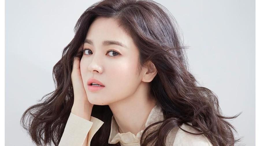 Usai Cerai dari Song Joong Ki, Song Hye Kyo Kembali Aktif di Media Sosial