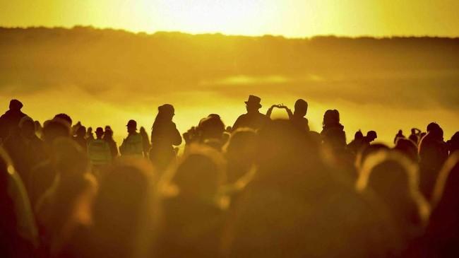Dalam foto unik pilihan CNNIndonesia.com pekan ini, ada ajang kompetisi renang, bayangan awan pada sebuah cermin, dan serangan gelombang panas.
