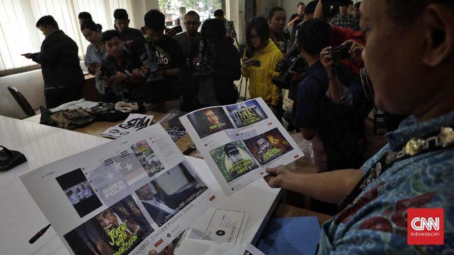 Polsek Tanjung Duren, Jakarta Barat, menangkap perekam dan penyebar video hoaks orang pingsan diduga karena terpapar virus corona.