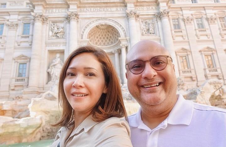 Baru-baru ini, Maia Estianty dan Irwan Mussry liburan ke Italia nih, Bun. Intip potret bahagianya 'honeymoon' mereka yuk.