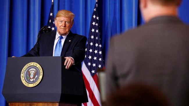 Presiden AS Donald Trump pada Minggu menyerang balik Dubes Inggris untuk AS Kim Darroch yang menghina pemerintahan Gedung Putih tidak layak.