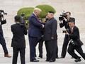 Sekretaris Pers Trump Berkelahi dengan Penjaga Keamanan Korut