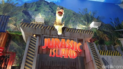 Nikmati Sensasi Menjelajah Jurassic Island Bersama Si Kecil